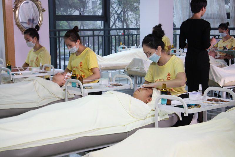 广州美容学校学费要多少钱