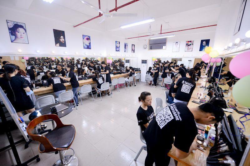 广州化妆学校哪里好